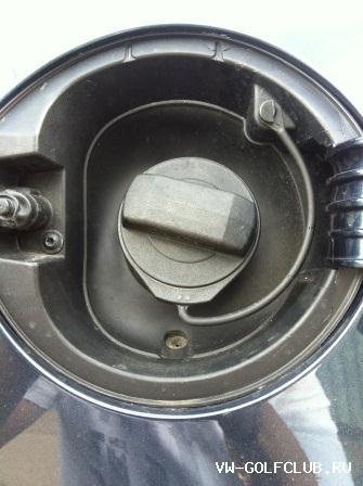 не открывается крышка бензобака фольксваген гольф 7